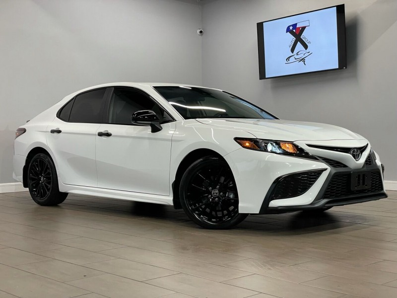 Toyota Camry 2021 price $32,995