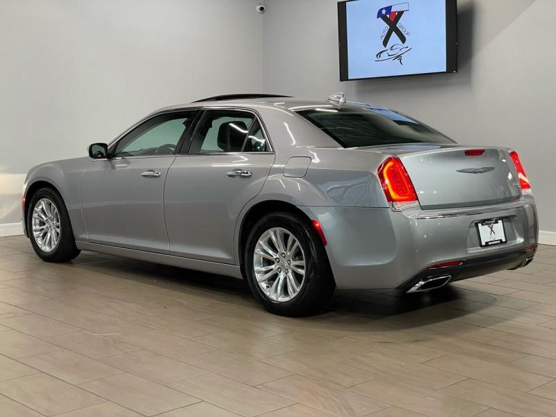 Chrysler 300 2017 price $23,495
