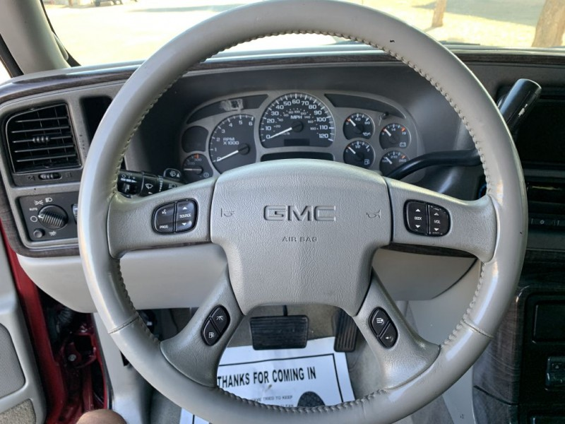 GMC YUKON 2004 price $8,099