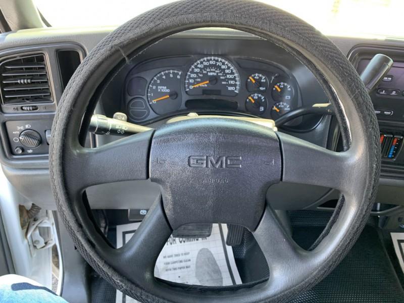 GMC SIERRA 2005 price $8,299