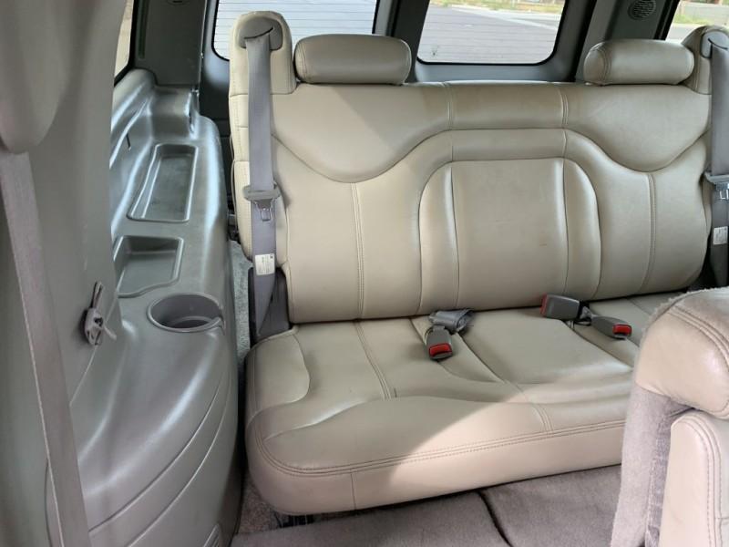 GMC YUKON XL 2001 price $7,499