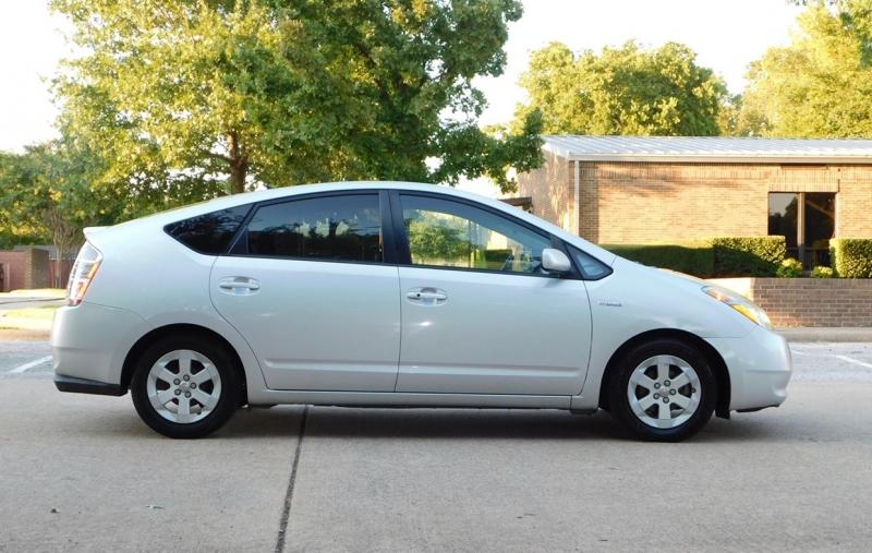 Toyota Prius 2007 price $4,490