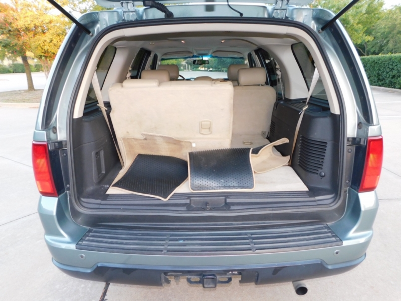 Lincoln Navigator 2006 price $4,990