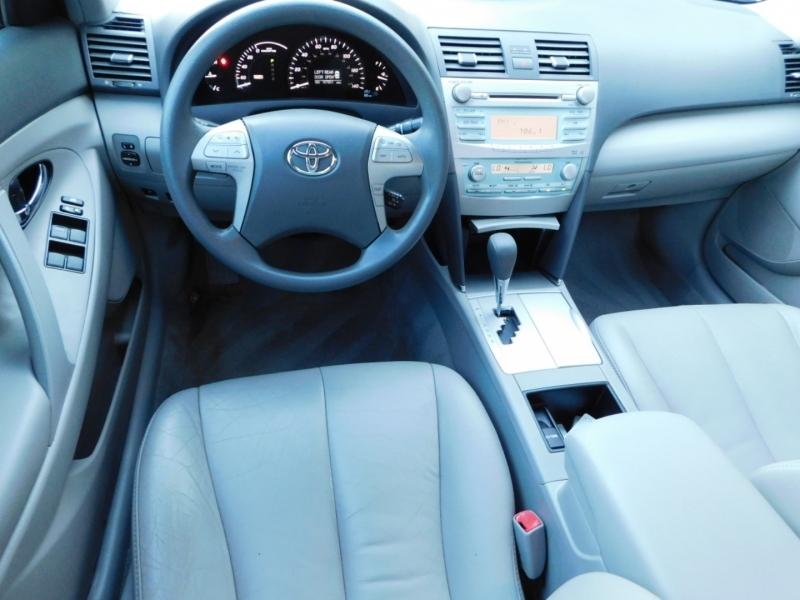 Toyota Camry Hybrid 2008 price $5,490