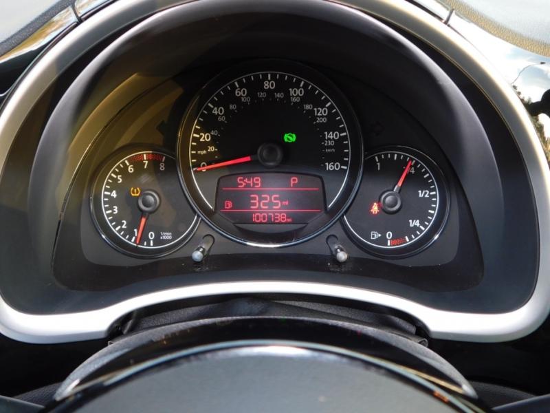 Volkswagen Beetle 2012 price $6,993