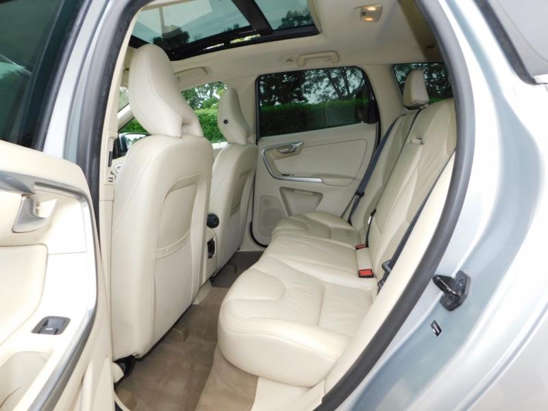 Volvo XC60 2012 price $10,490