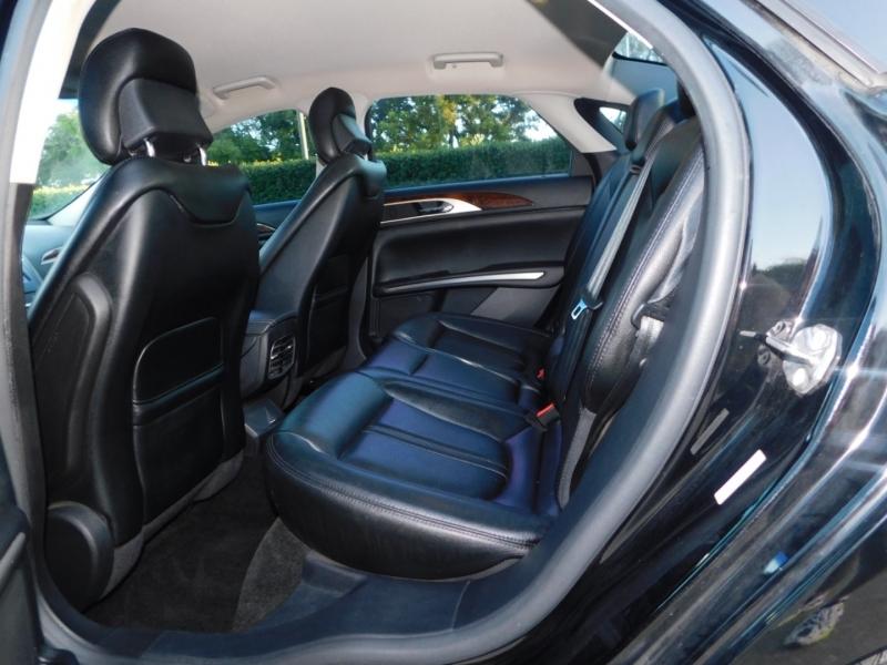 Lincoln MKZ 2016 price $10,990