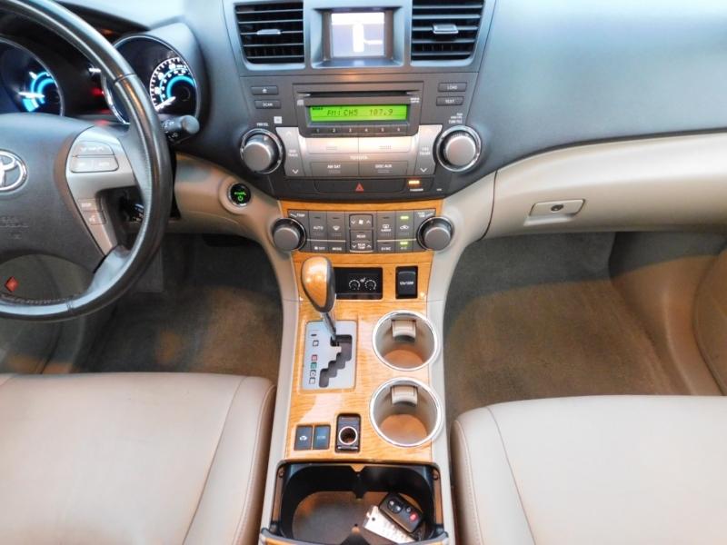 Toyota Highlander Hybrid 2010 price $9,991
