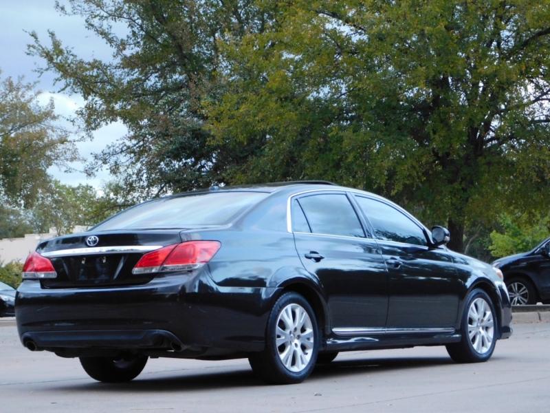 Toyota Avalon 2011 price $10,790