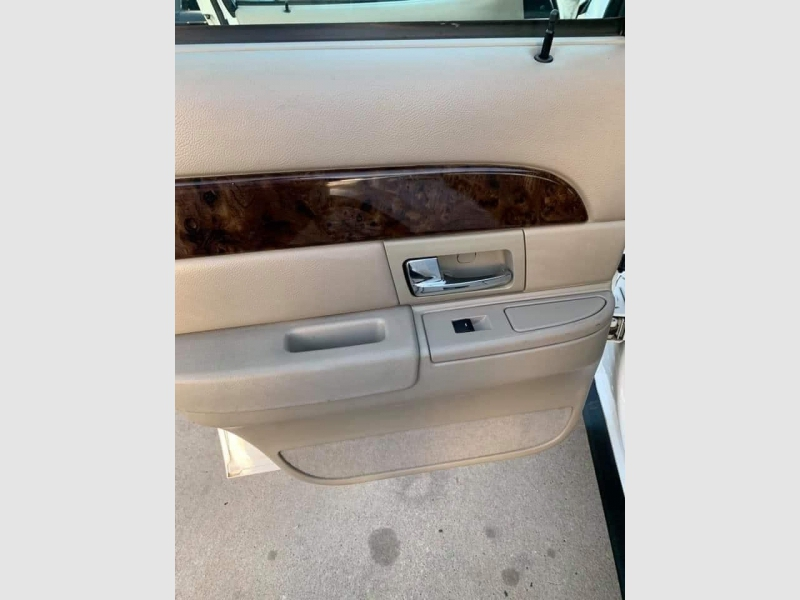 Mercury Grand Marquis 2011 price $5,200