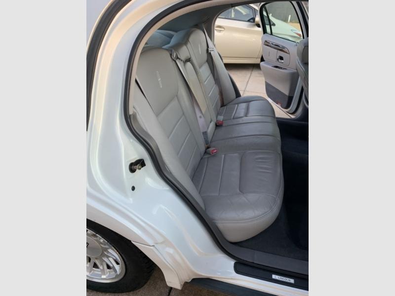 Lincoln Town Car 1998 price $3,500 Cash