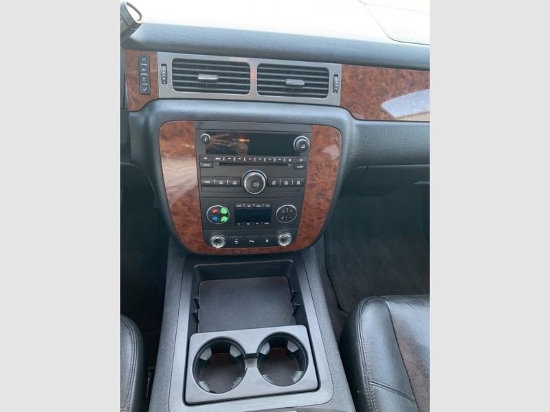 Chevrolet Suburban 2008 price $11,500