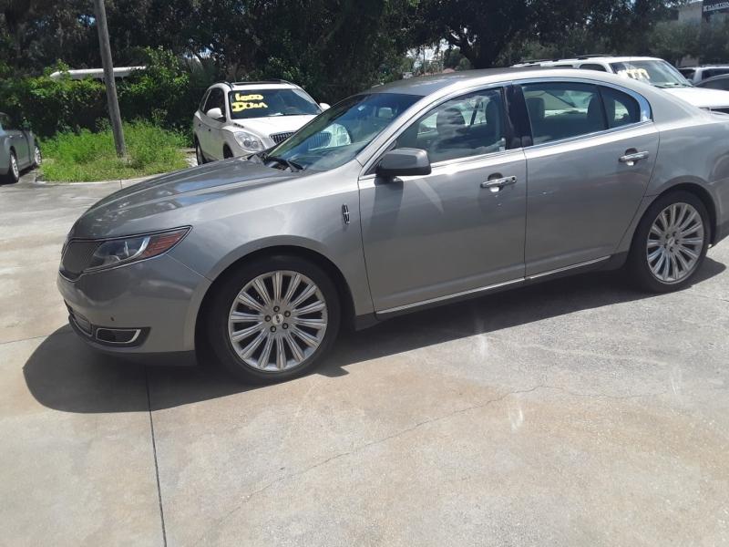 Lincoln MKS 2015 price $13,999