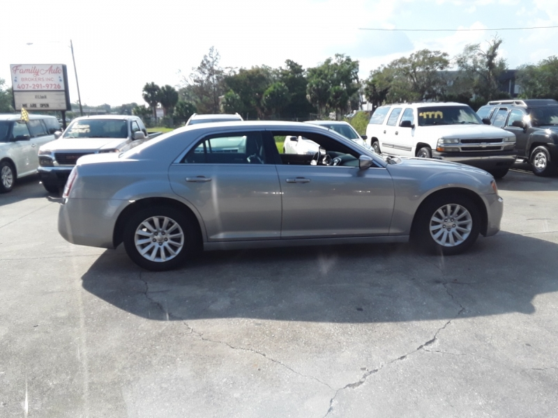 Chrysler 300 2014 price $10,899