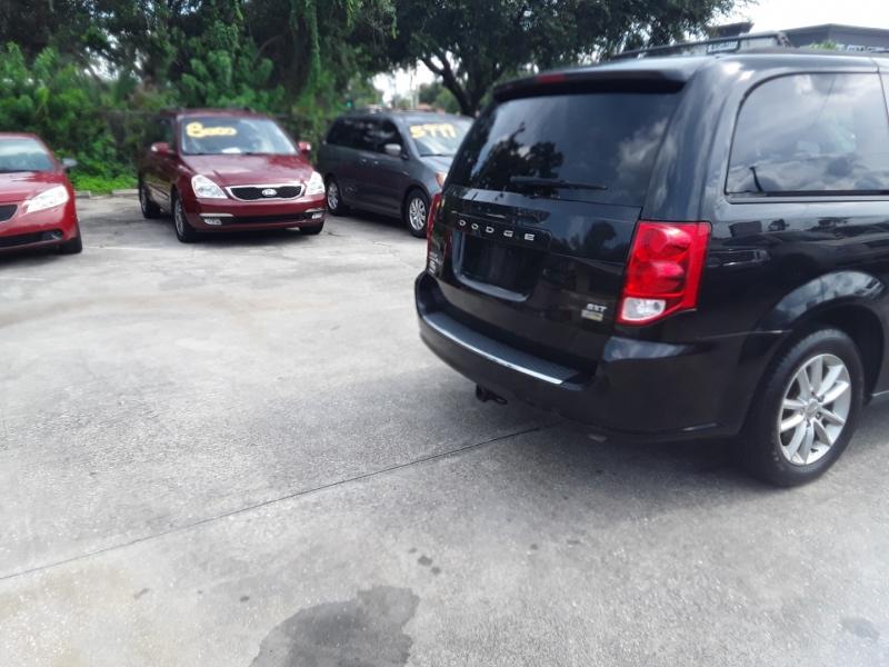 Dodge Grand Caravan 2015 price $9,999