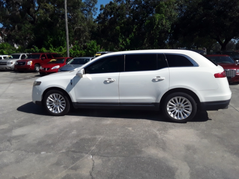 Lincoln MKT 2012 price $8,999