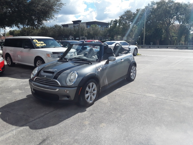 Mini Cooper Convertible 2006 price $5,700