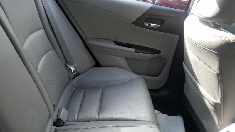 Honda Accord Sedan 2015 price $16,999