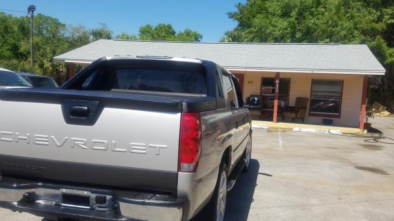 Chevrolet Avalanche 2004 price $8,999