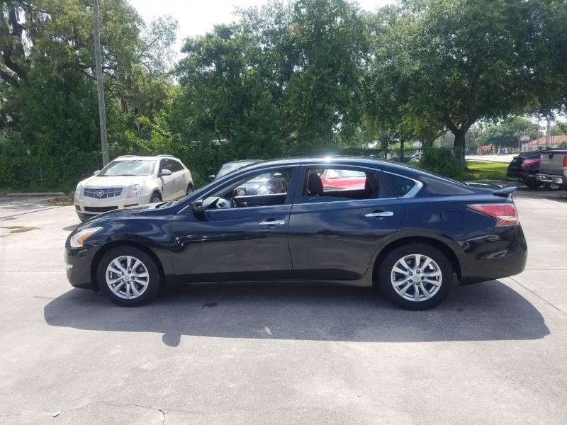 Nissan Altima 2015 price $9,999