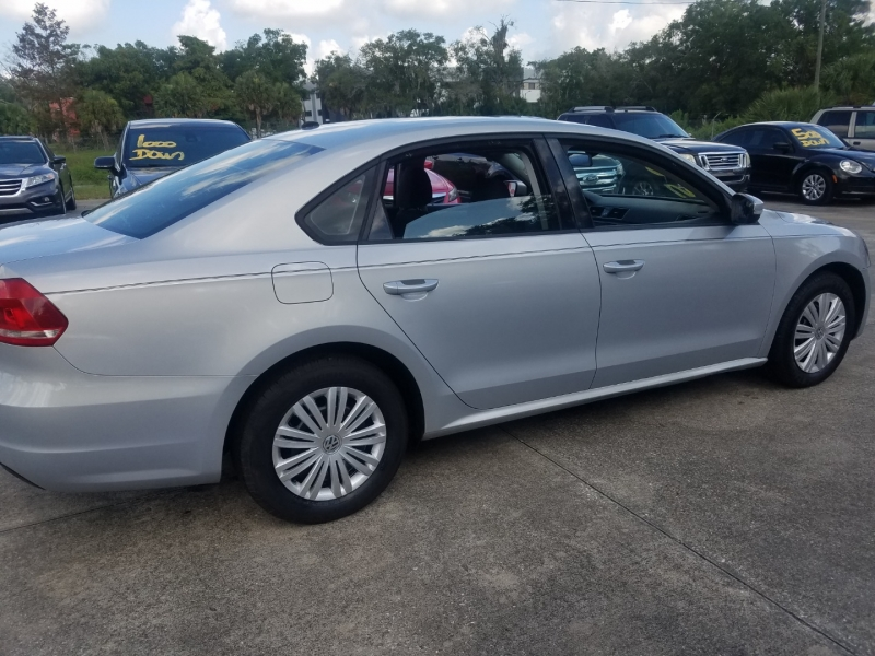 Volkswagen Passat 2014 price $7,999