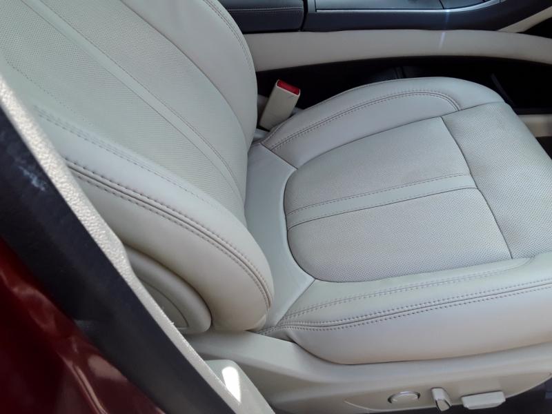 Lincoln MKZ 2015 price $14,999