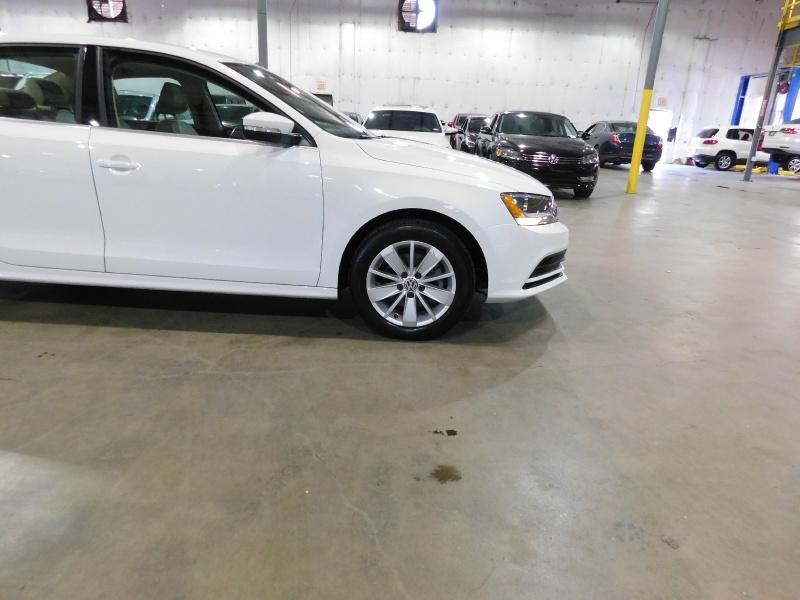 Volkswagen Jetta Sedan 2015 price $10,990