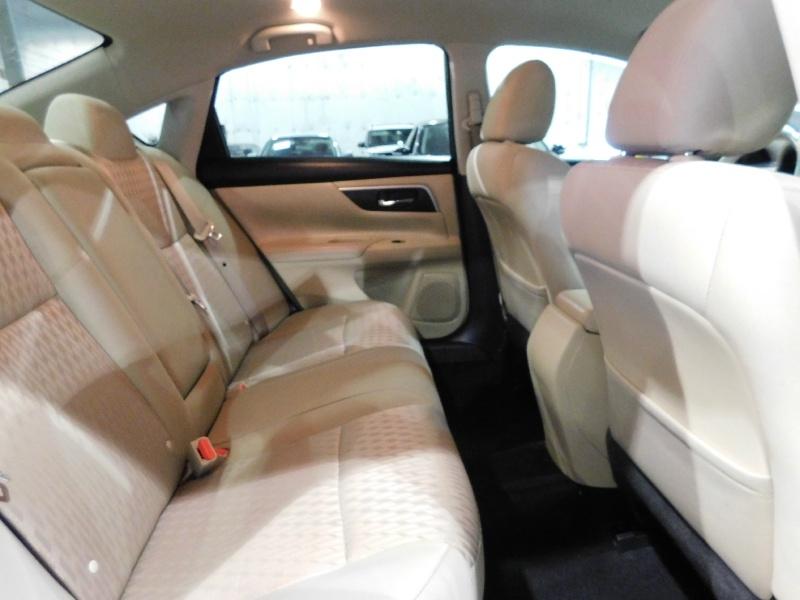 Nissan Altima 2017 price $13,990