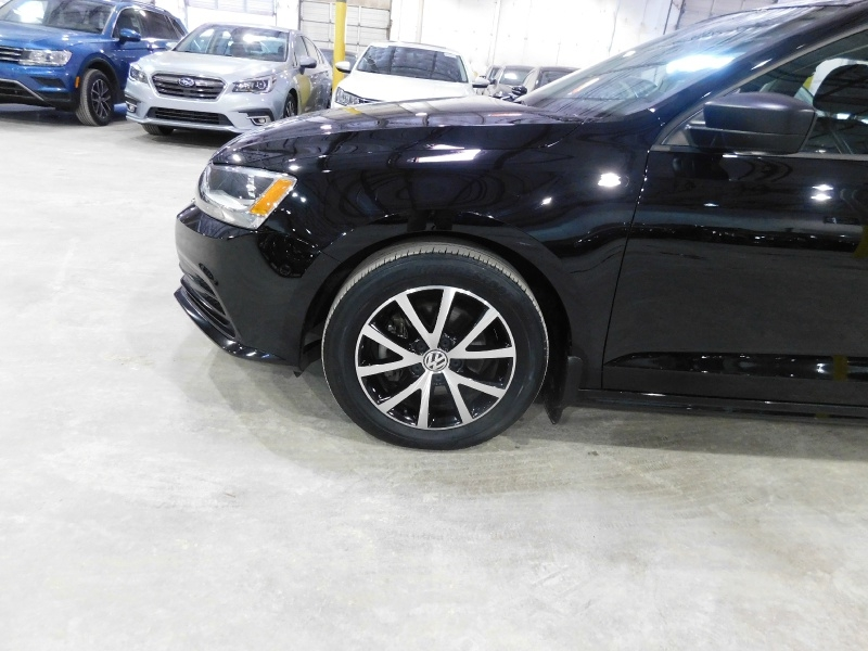Volkswagen Jetta Sedan 2016 price $12,990
