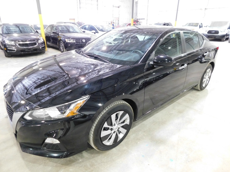Nissan Altima 2019 price $17,990