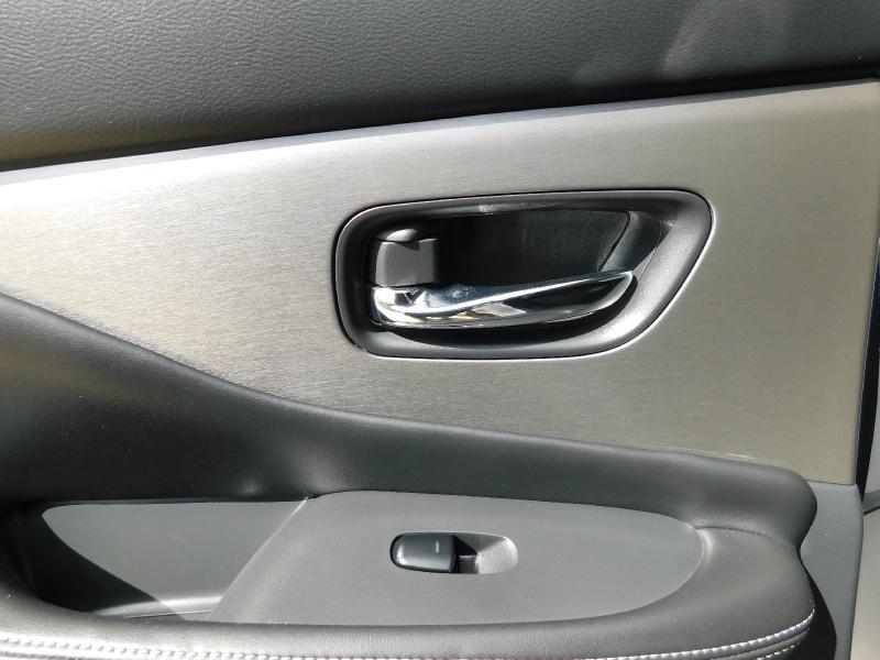 Nissan Murano 2019 price $23,990