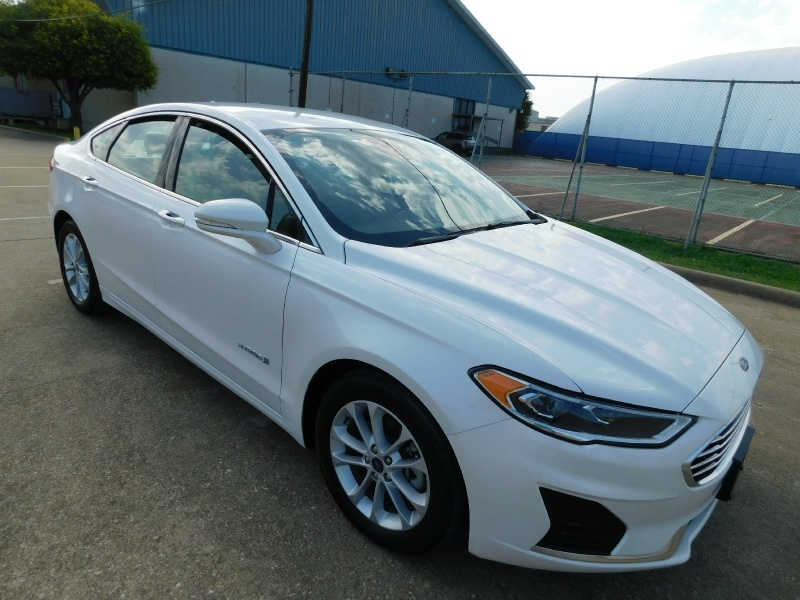 Ford Fusion Hybrid 2019 price $18,990