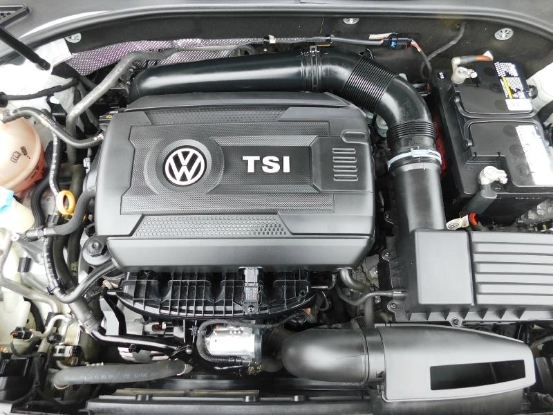 Volkswagen Passat 2016 price $10,990