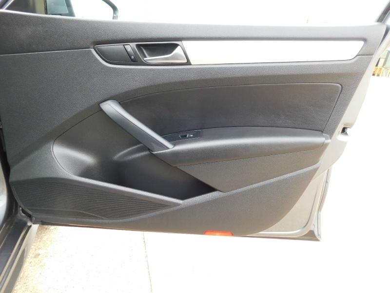Volkswagen Passat 2012 price $8,990