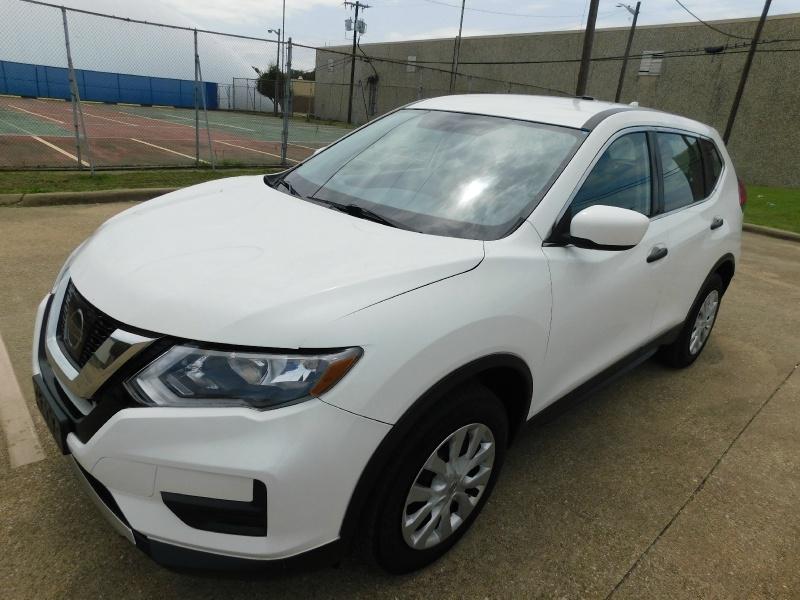 Nissan Rogue 2017 price $12,990