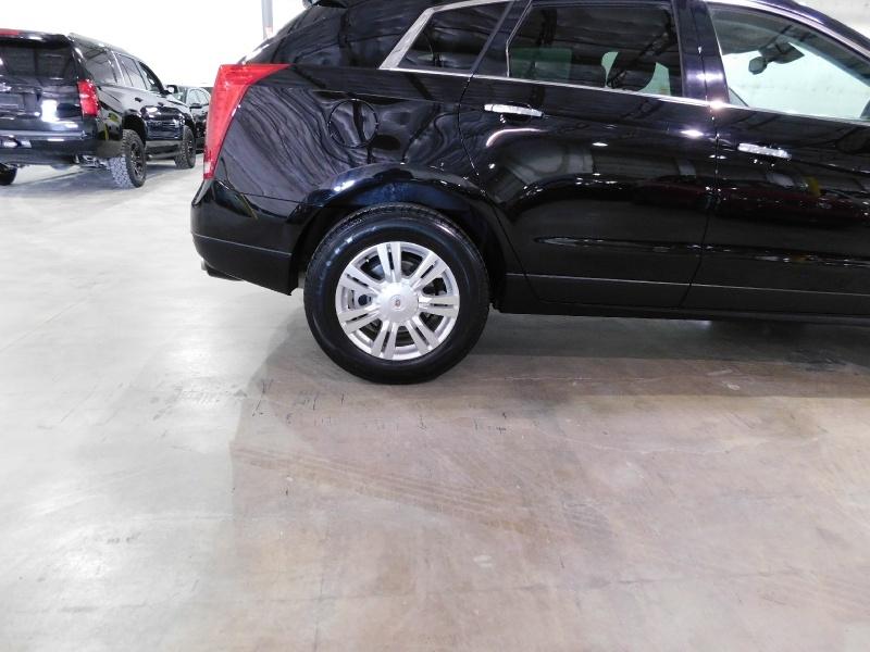 Cadillac SRX 2016 price $17,990