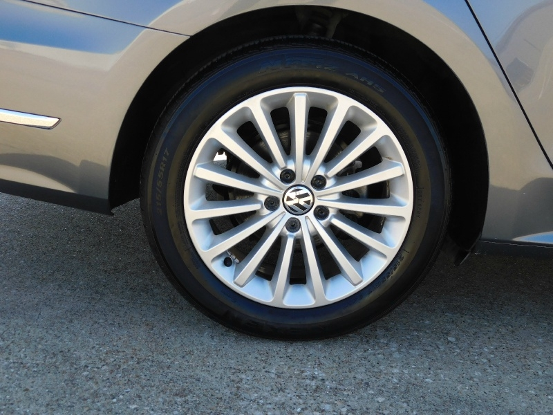 Volkswagen Passat 2017 price $12,990