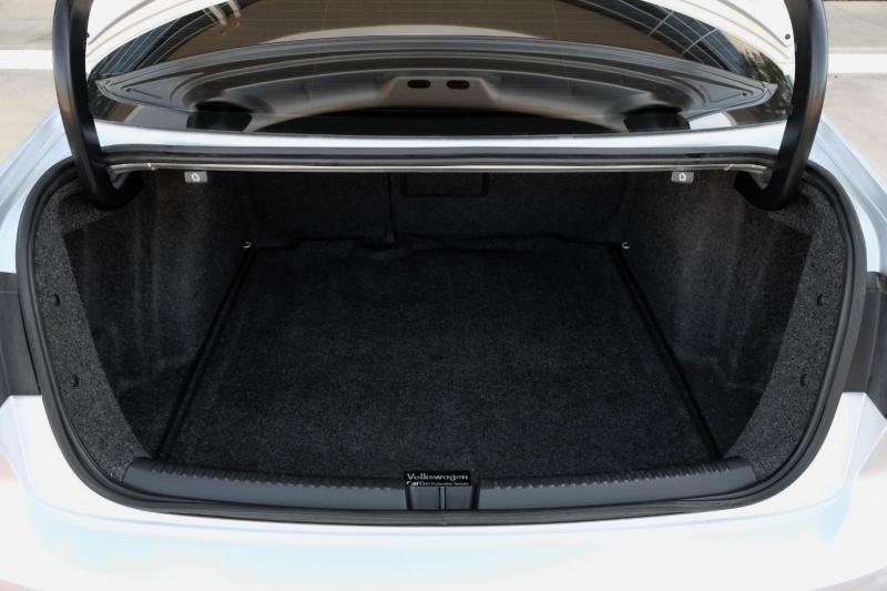 Volkswagen Jetta Sedan 2015 price $14,990