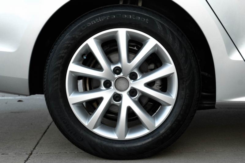 Volkswagen Jetta Sedan 2014 price $10,990