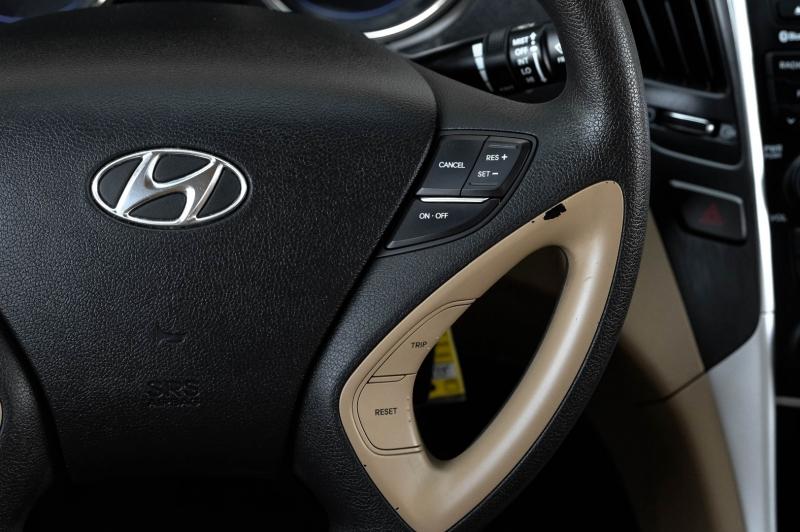 Hyundai Sonata 2013 price $8,990