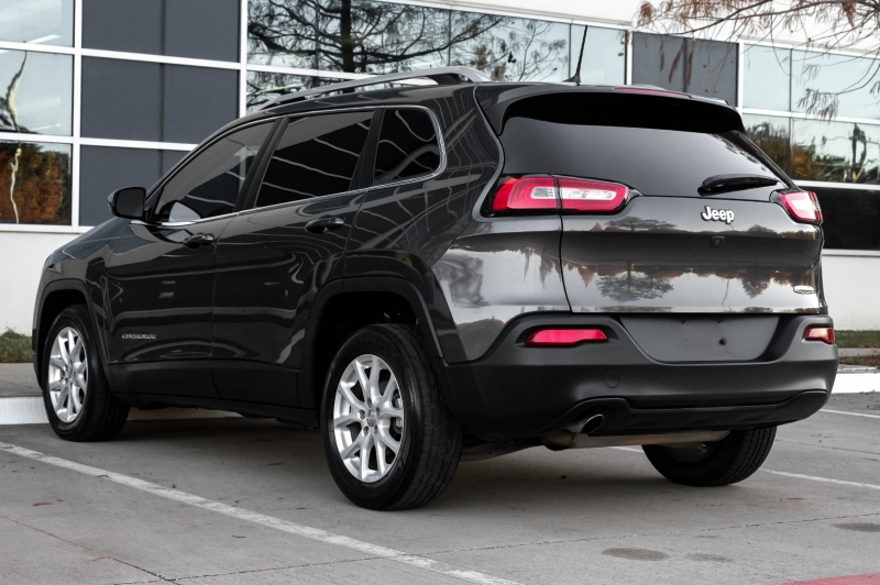 Jeep Cherokee 2016 price $11,990