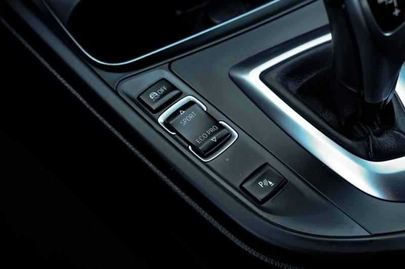 BMW 3-Series 2017 price $14,990