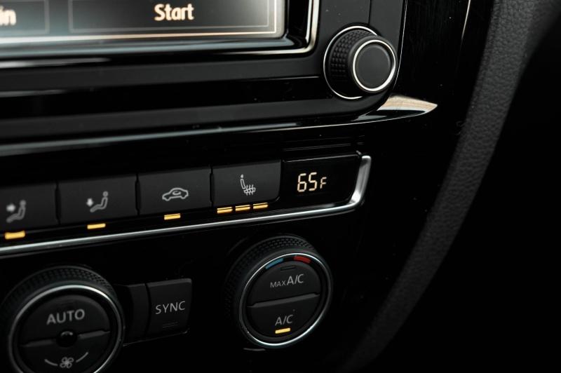 Volkswagen Jetta Sedan 2017 price $14,490