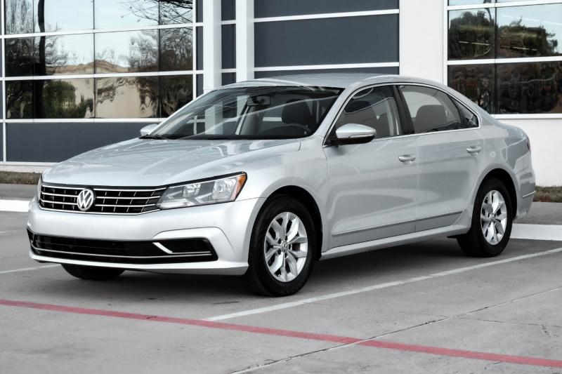 Volkswagen Passat 2016 price $8,990