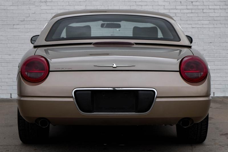 Ford Thunderbird 2005 price $12,990