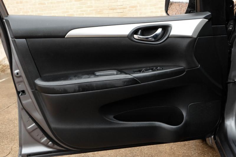 Nissan Sentra 2019 price $11,990