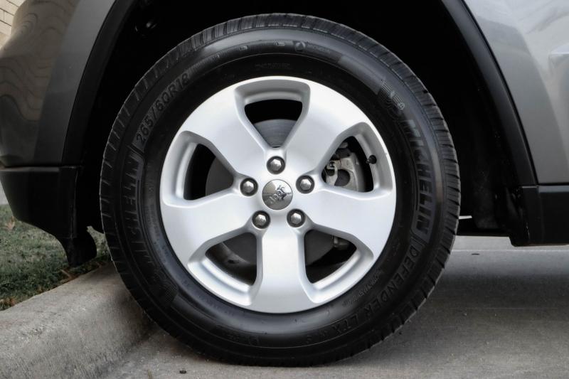 Jeep Grand Cherokee 2012 price $11,400