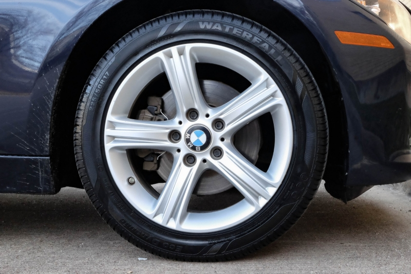 BMW 3-Series 2015 price $13,990