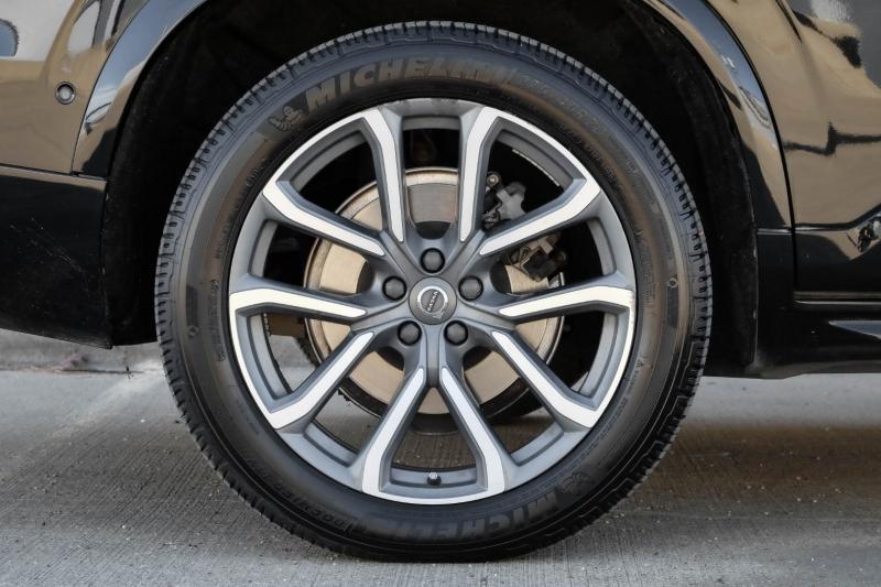 Volvo XC90 2018 price $33,990