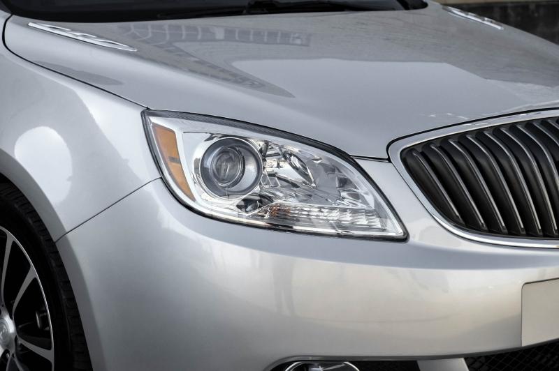 Buick Verano 2017 price $10,990